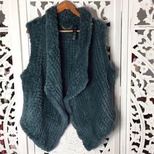Chico's faux Fur Soft Teal vest